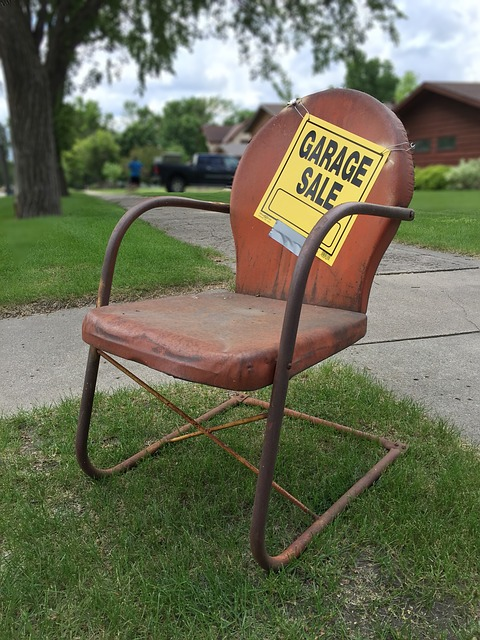 garage sale sign 2261502 640 225x300 - Easy guide for packing your basement