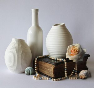 Packing fragile items - fine ceramics